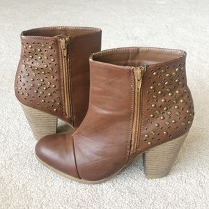 Rampage Brown Studded Ankle Booties - Size 7.5